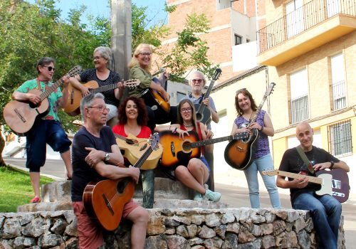 Cursos per adults Almenara - GUITARRA INICIACIÓ ADULTS
